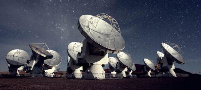 Astrônomos descobrem fonte de sinais misteriosos no espaço
