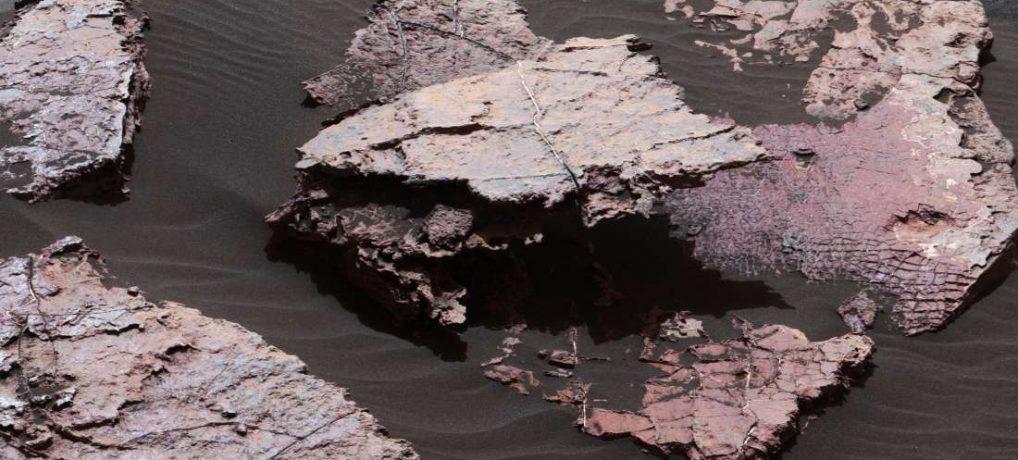 Rover Curiosity encontrou mais evidências de lagos antigos em Marte