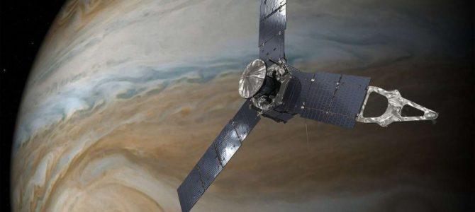 Sonda Juno registra imagens impressionantes de Júpiter