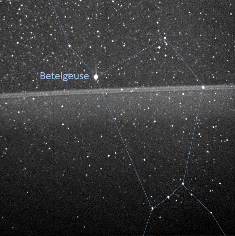 Uma outra versão da mesma imagem, com a Constelação de Órion.