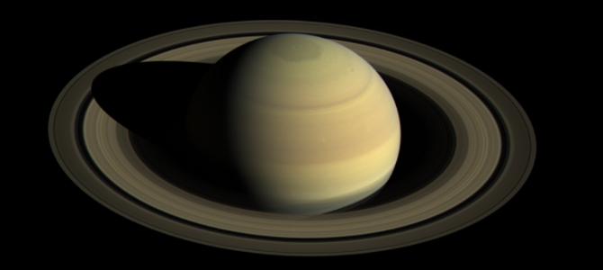 Sonda Cassini se aproxima de Saturno e registra imagens históricas