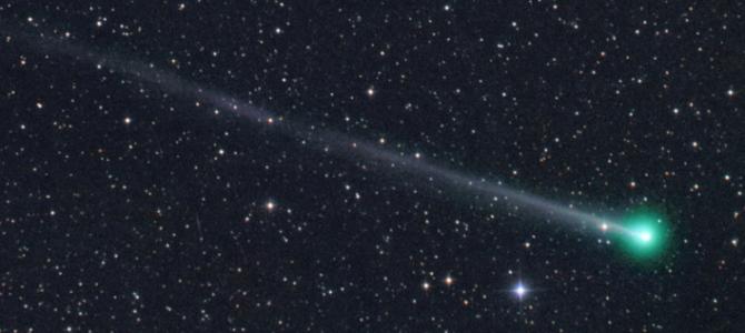 Cometa poderá ser visto no céu na noite deste sábado