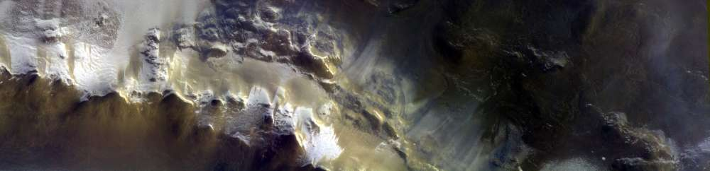 content-1524823380-exomars-images-korolev-crater-1
