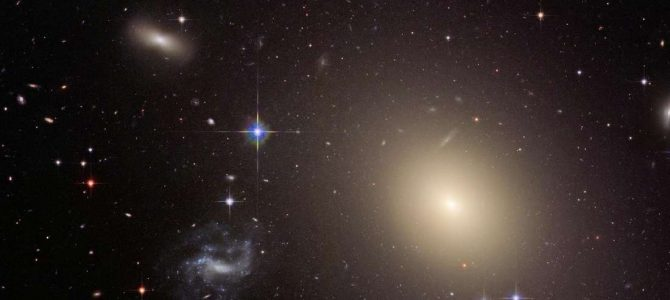 Cientistas provam que Einstein está certo até em outra galáxia