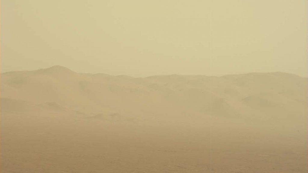 Essa primeira imagem é da NASA e foi registrada pelo Curiosity.
