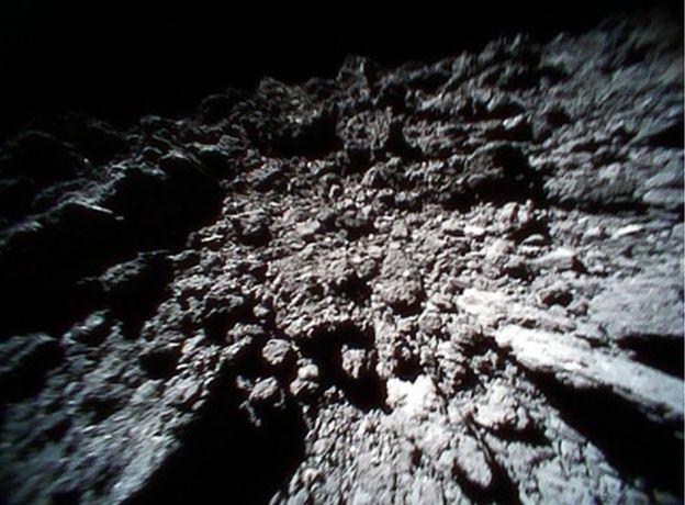 Divulgado o primeiro vídeo da superfície de um asteroide