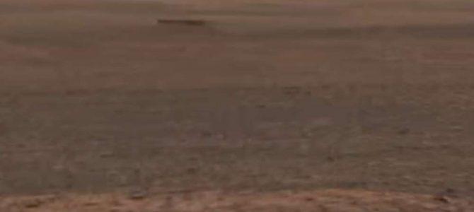 Suposto tubo metálico é visto em nova imagem de Marte